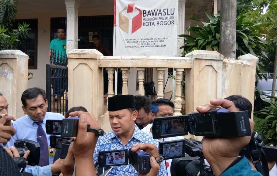 Bima Arya di Kantor Bawaslu Kota Bogor